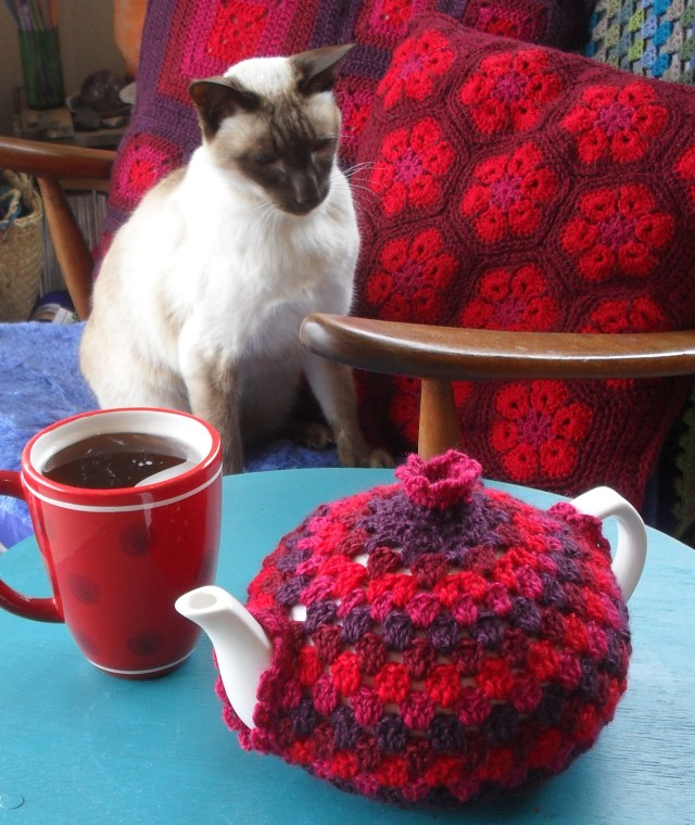 Granny Tea Cozy tutorial - a free pattern